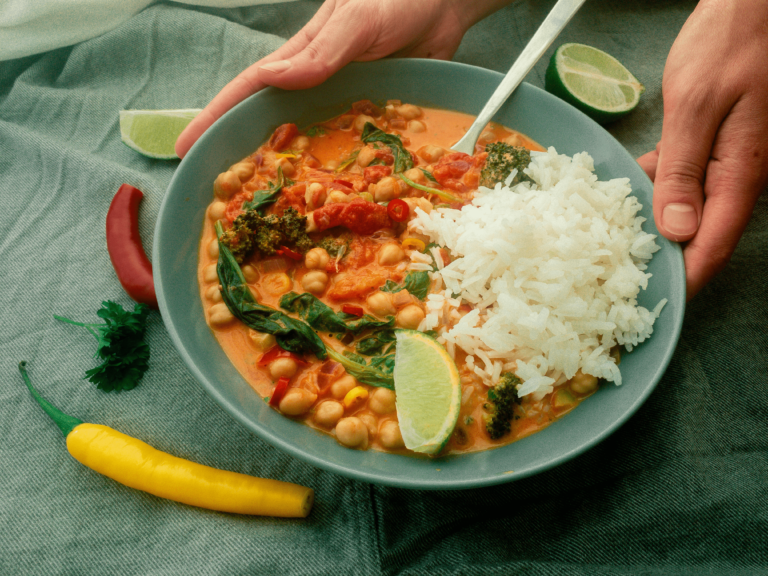 Healthy and delicious Vegan Chickpea Broccoli Curry