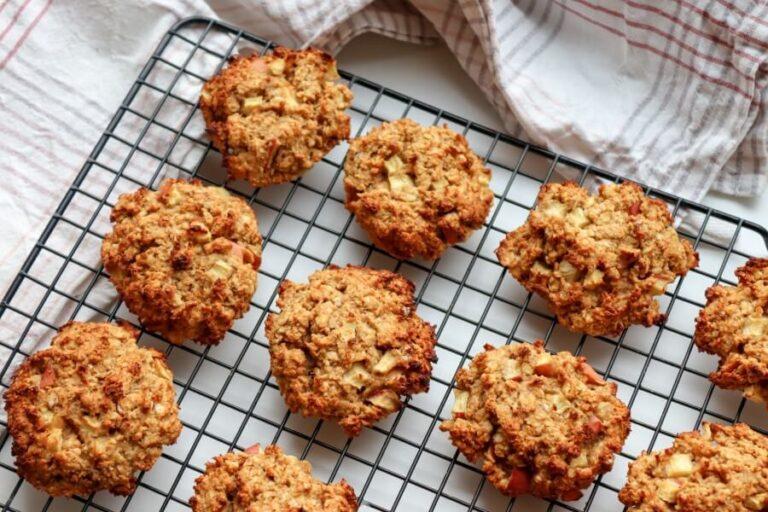 Vegan apple oatmeal cookies (gluten-free, sugar-free)