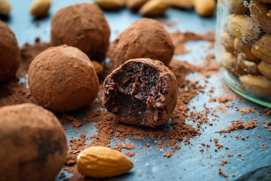 almond meal cacao bliss balls, vegan, healthy