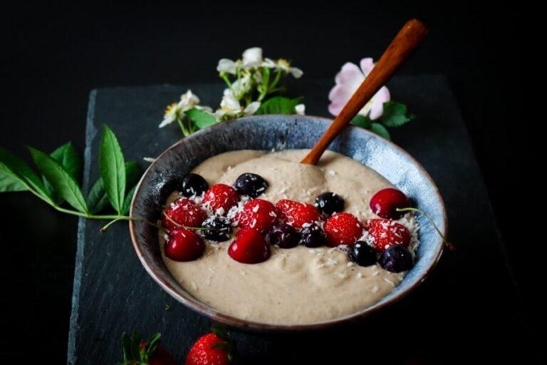 Peanut butter buckwheat smoothie bowl