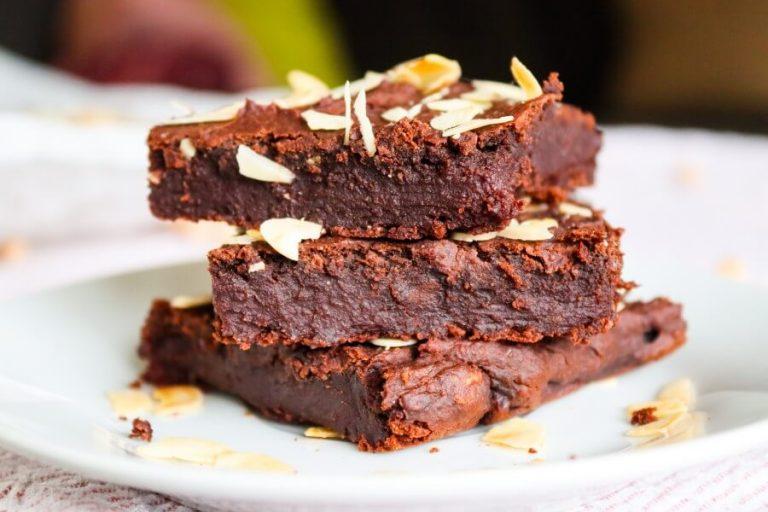 Vegan chickpea brownies (sugar-free, gluten-free)